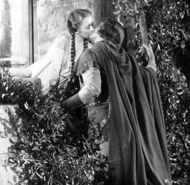 Olivia-de-Havilland-Errol-Flynn-Adventures-of-Robin-Hood[1]